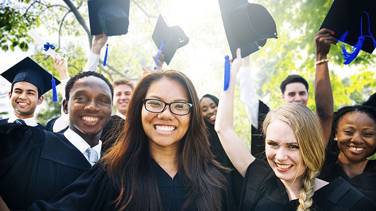 What federal and state grants are available for college students?